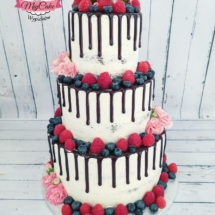 MajCake - Drip Cake Weselny